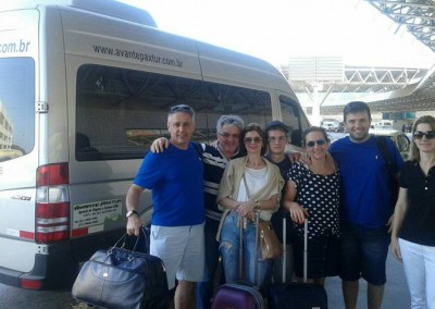 Familia chegando no Galeao