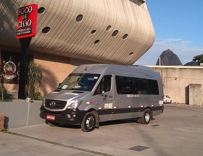 Aluguel de Van com 20 lugares no Rio de Janeiro